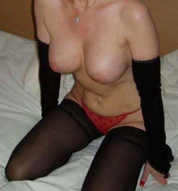 Femme cougar très sexy qui veut baiser sur Toulon